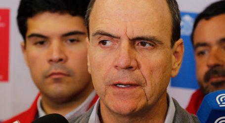 Citan a Monckeberg para informar plan de prevención tras incendio de Valparaíso