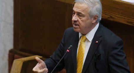 Sistema de salud y crisis social marcan interpelación a ministro Mañalich