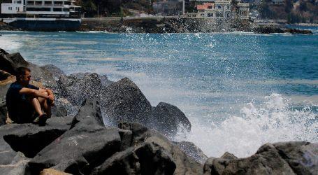 Armada emitió aviso por marejadas entre las costas de Isla Mocha y Arica