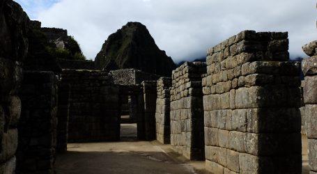 Detienen a chileno por dañar y defecar en templo de Machu Picchu
