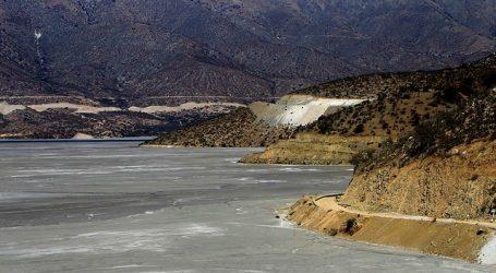 Se produce desborde de canal de relave minero en la comuna de Doñihue