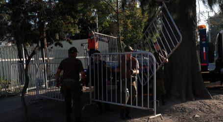 Detienen a dos personas tras desórdenes en recinto donde se rendirá PSU