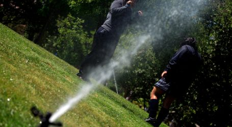 Providencia prohibió el riego de aceras y superficies impermeables