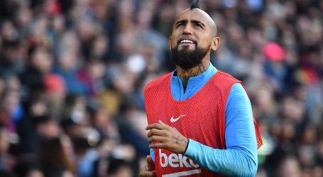 Champions: Arturo Vidal aparece en la nómina del Barça para la visita al Napoli
