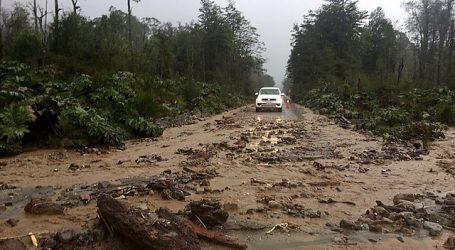 Aislados y cortes de camino en localidades de Pozo Almonte por lluvias estivales