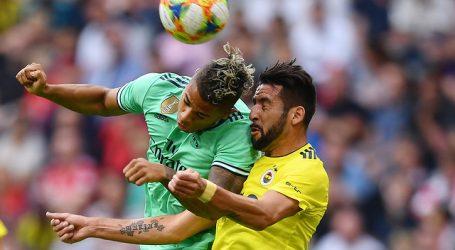 Turquía: Mauricio Isla jugó los 90 minutos en derrota del Fenerbahce