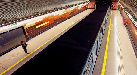 Manifestaciones en el exterior obligan a cerrar tres estaciones del Metro