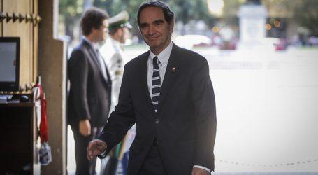 Medio alemán apuntó a ministro Hernán Larraín por Colonia Dignidad