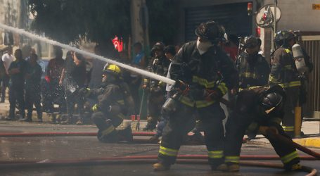 Incendio afecta museo Violeta Parra en nueva jornada de protestas en P. Italia