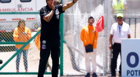 Mario Salas solo tiene un 48% de rendimiento como visita en Colo Colo