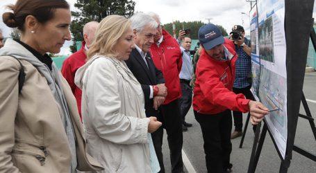 Presidente Piñera recorre obras de ampliación del aeropuerto de Puerto Montt