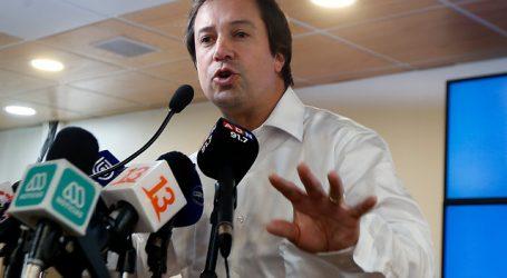 Caso Hasbún: Ministro Palacios decide suspender su militancia en la UDI
