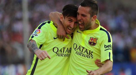 Barça: Jordi Alba entrena parcialmente con el grupo pensando en el Clásico