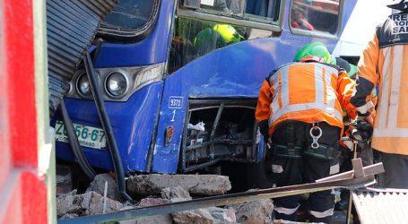 Accidente múltiple en Vespucio Sur dejó 2 fallecidos y 17 heridos