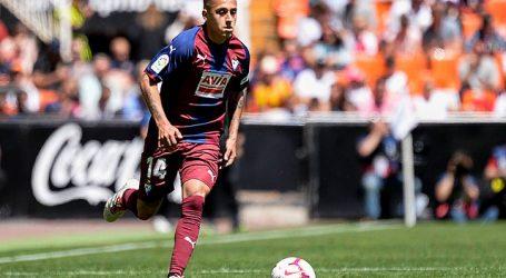España: Fabián Orellana perdió penal en derrota del Eibar ante la Real Sociedad