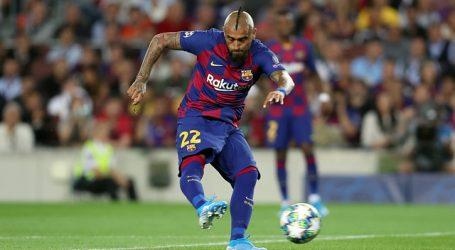 Arturo Vidal ingresó en sufrida victoria del FC Barcelona sobre Real Sociedad