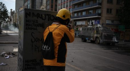 """INDH repudia """"inexplicable"""" agresión a observador en Plaza Italia"""