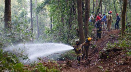 """Contenido y próximo a ser controlado se encuentra incendio """"Agua Fría"""" en Molina"""