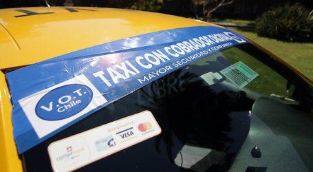 Transportes presenta primera aplicación para taxis en Santiago