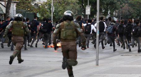Secundarios protestan en varios puntos de Santiago