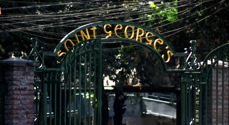 "Saint George's College califica de ""errados"" dichos del ministro Mañalich"