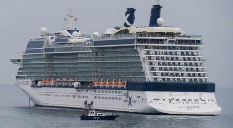 Pasajeros de cruceros Australis comenzaron a desembarcar en Punta Arenas