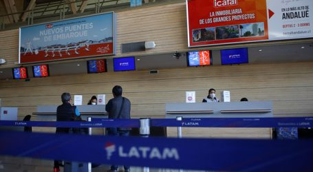Esta noche llega a Santiago avión con 146 chilenos varados en Quito y Guayaquil