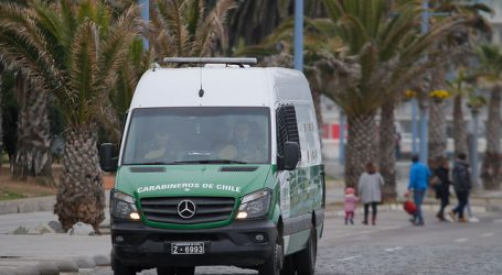 Carabineras resultan lesionadas tras choque entre patrulla y bus de Transantiago