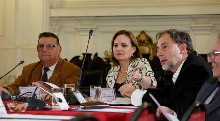 Senadores y expertos expresaron preocupación por medidas del Gobierno