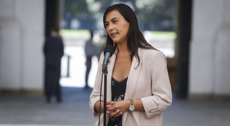 Denuncian amenazas de muerte y violencia sexual contra Izkia Siches