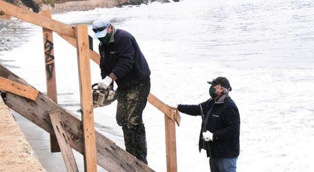 Armada retirará rejas instaladas en playas de Concón