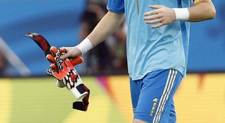 """Casillas: """"Quisiera rendir un homenaje a quienes han fallecido por este virus"""""""