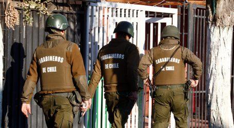 Mujer que portaba subametralladora UZI queda en prisión preventiva