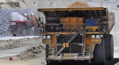 El cobre operó al alza pero finalizó la semana cayendo un 1,19 por ciento