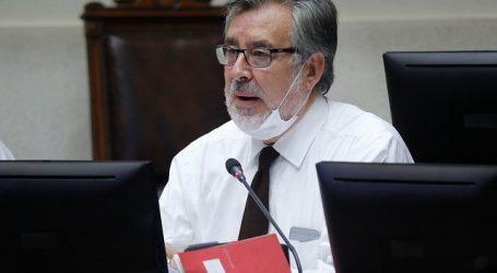 Guillier busca que se suspendan despidos en clínicas mientras dure la pandemia