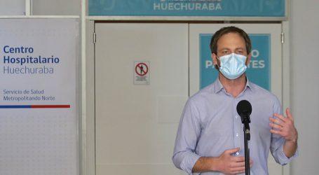 Zúñiga recorre Espacio Riesco tras llegada de primeros pacientes