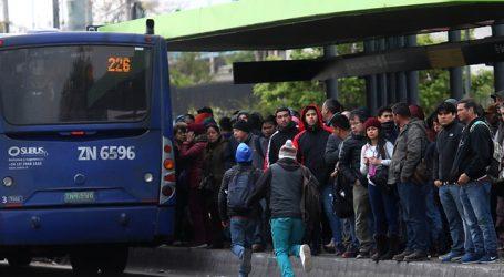 Mujer murió atropellada por bus del Transantiago en Las Condes