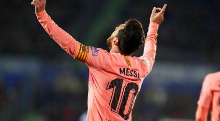 """Messi sigue al margen, pero pisa el césped: """"¡Cómo extrañaba el Camp Nou!"""""""