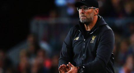 Premier: El Liverpool cumple y espera la rendición del City