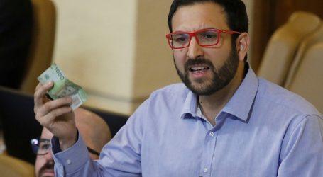 Miguel Crispi criticó falta de garantía de licencia médica a contactos estrechos