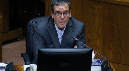 Harboe pidió a presidente de BancoEstado suspensión de remates por deudas