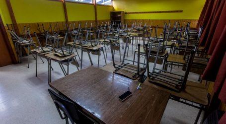 """Paris afirma que """"no hay una fecha precisa"""" para eventual retorno a clases"""
