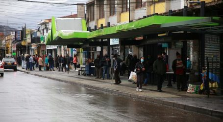 """Minsal anunció mayor fiscalización a empresas que """"se disfrazan"""" de esenciales"""