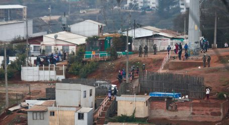 Celis cuestionó logística para entrega de cajas de alimentos en Valparaíso