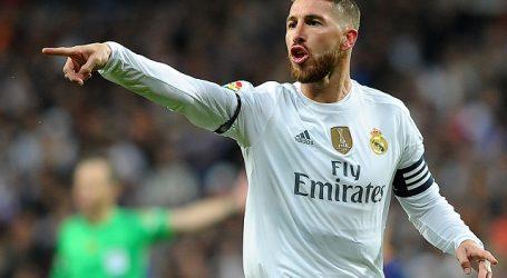 Real Madrid derrota al colista Espanyol y se escapa dos puntos del FC Barcelona