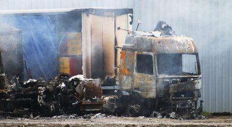 Tres vehículos se incendian sobre viaducto del Malleco