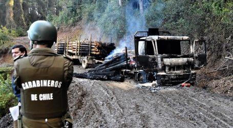 Tres camiones dañados dejó nuevo ataque incendiario en La Araucanía
