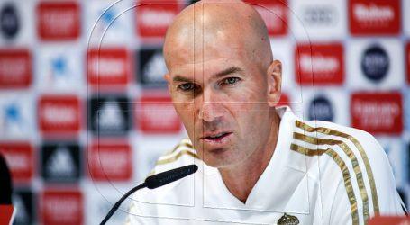 """Zinédine Zidane: """"Aquí no hay euforia, solo trabajo y compromiso"""""""
