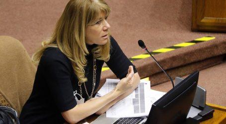 Senadora Rincón criticó veto del Gobierno a ley de no corte de servicios básicos