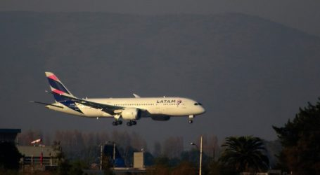 Minsal anuncia fiscalización ante denuncia de vuelos desde Santiago a Miami